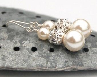 Bridal Jewelry, Sparkling Ivory Pearl Earrings, Modern Wedding Jewelry, Bridesmaid Earrings, Brides Earrings, Simple Pearl Earrings,