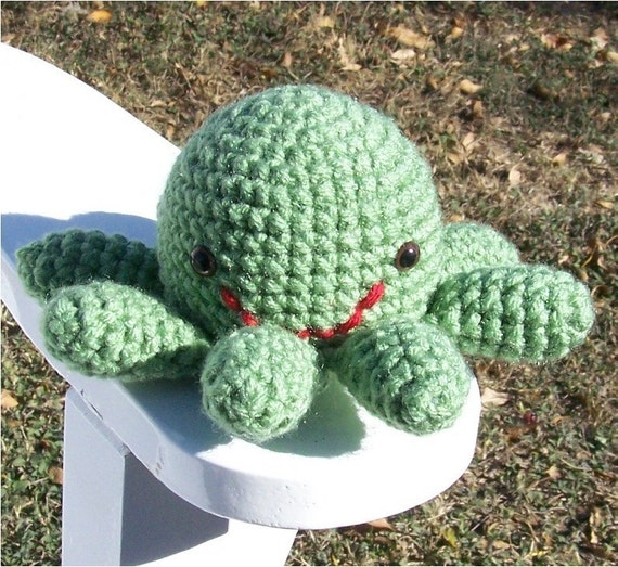 Crochet Church Purse Doll Pattern : Noah Mini Octopus Amigurumi