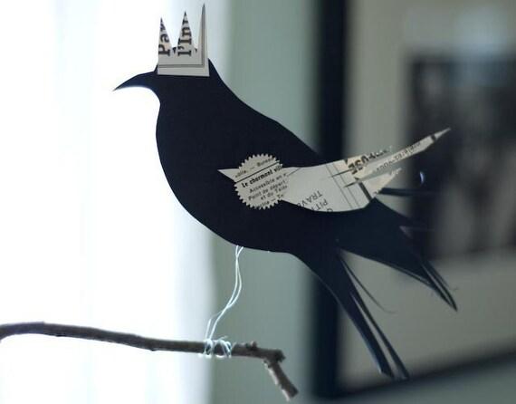 Blackbird King Perching Decoration