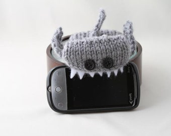 shark week, Monster Shark Silver Grey iPhone/iPod cozy