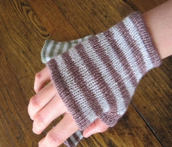 PROTOTYPE Striped Ferry Gloves in Berry Stain Purple and SIlver Grey - XS - merino wool and tencel blend