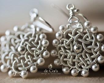 White JiaSha Knot Earrings