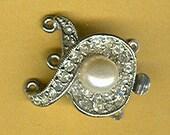 vintage clasp art deco clasp rhinestone clasp marvella three strand clasp necklace clasp glass pearl