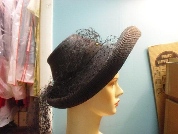 Stunning 1940s Vintage Black Straw Turned Up Big Brim Hat w Lots of Veiling Around it