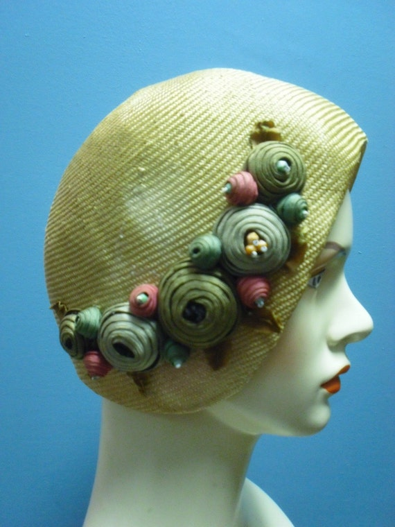 1920s Vintage Flapper Straw Cloche Hat with Fabulous Trim 23 inches around inside measurement