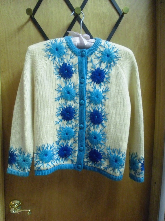Beautiful Yarn Embroided 1950s or 60s Vintage Cardigan Sweater 36 Bust