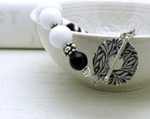 Black and White Modern Beaded Bracelet White Black Lampwork Clasp Bracelet with Sterling Silver