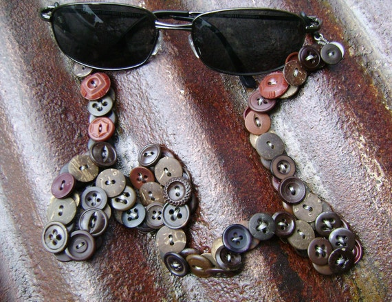 Eyeglasses Chain in Vintage Buttons - What a Lovely Bunch of Coconuts