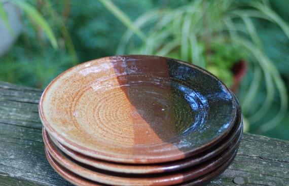 set of 4 matching plates \/\/