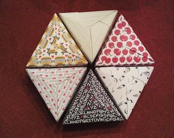 6 Paper Origami Triangle PIE Mini Boxes - SCHOOL DAYS