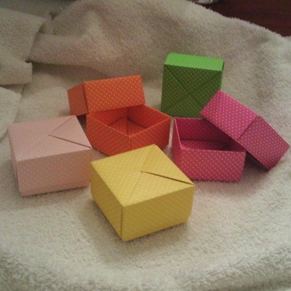 5 Paper Origami Square Mini Boxes - DOTS