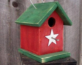 Red and Green Birdhouse Wren Chickadee Small Songbirds White Metal Star
