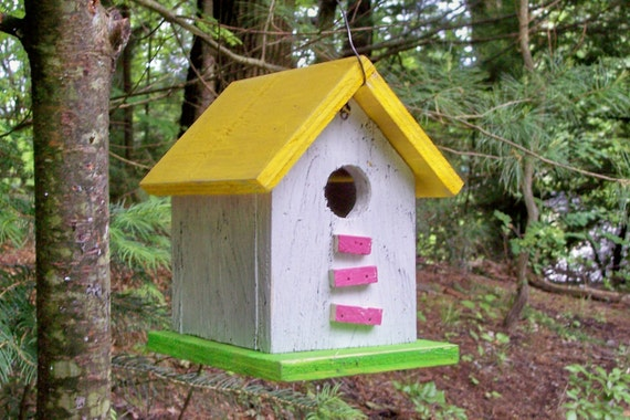 Primitive Birdhouse Yellow White Pink Neon Green Songbirds Yard Garden Shabby