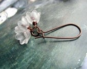 white Flower earrings Affordable wedding jewelry Summer Fashion