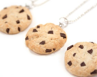 Food Jewelry Scented Chocolate Chip Cookie Necklace Handmade Biscuit Crunch Polymer Clay Pendant Cute Kawaii Miniature Birthday Gift