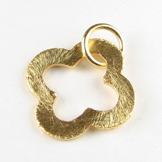 Large 21mm Clover Shaped Bali Gold Vermeil Brushed Texture Loop Connector Rings Links Pendant with Jump Ring (1 bead)