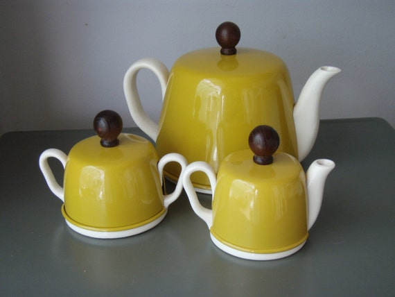 Teapot Insulated Sugar and Creamer Vintage Set White and Mustard