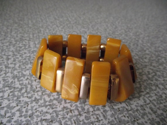 RESERVED Butterscotch Bakelite Bracelet Stretch Beads 1940s Art Deco Stretch Bracelet with Gold Bead Spacers
