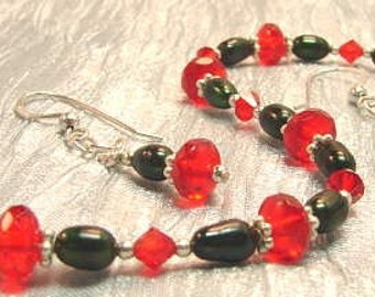 SALE ! orig 35.00 now only -19.99-! green Pearls and red Crystal bracelet & matching earrings say Merry Christmas.....with style