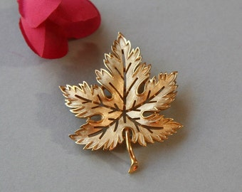 Vintage Brooch, Leaf Brooch, Leaf Pin, Ladies Brooch, Autumn Brooch, Matte Gold Leaf Circa 1960