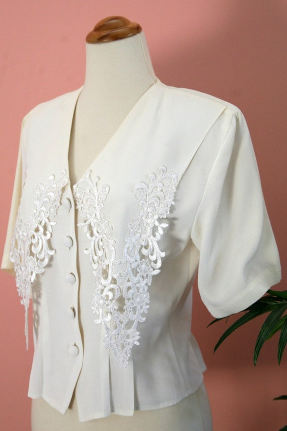 Short Sleeve White Lace Collar Blouse