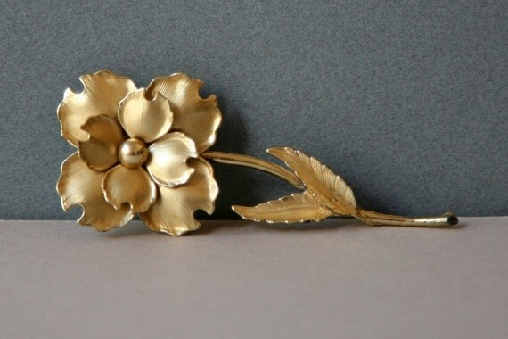VINTAGE - Matte Gold Plated Rose Pendant
