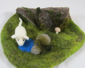Needle Felted Play Mat - Mouse Home - Hollow Log