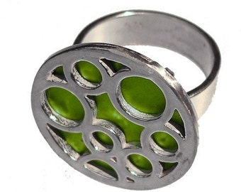 Medium Round Bubble Ring in Lime