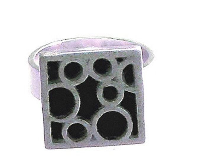 Small Square Bubble Ring in Black
