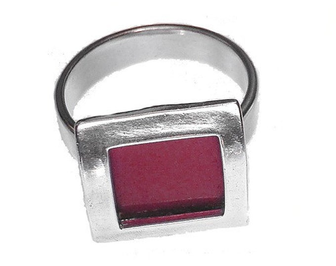small square recycled aluminum/silver ring in Red