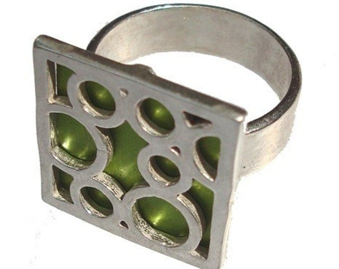 Medium Square Bubble Ring in Lime