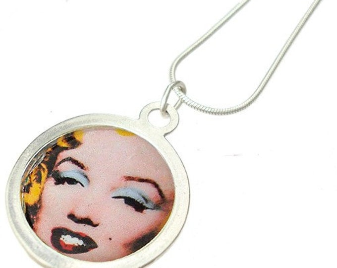 Some Like it Hot retro pin/silver necklace