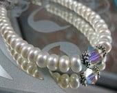 Button Pearl Bracelet