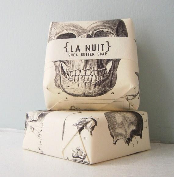 La Nuit Soap - Black Amber & Lavender - Shea Butter Soap