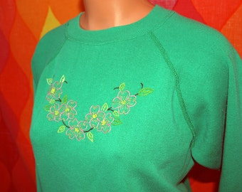 vintage 80s sweatshirt green DOGWOOD flowers raglan crewneck sweater Medium jumper