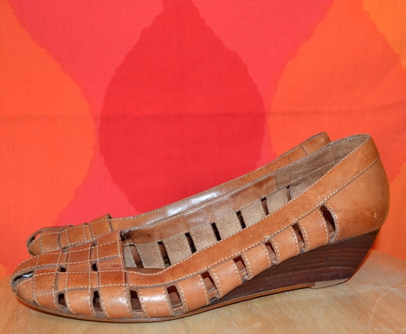 vintage 80s leather shoes wedge BASS caramel woven wood stacked heel 8 M