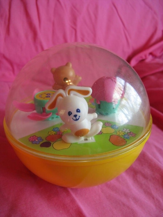Vintage Toy TOMY BALL with Sweet Moving Interior Scene