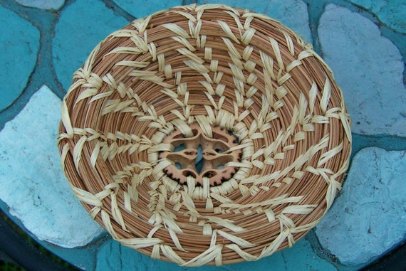 Small Round Pine Needle Basket with Walnut Slice Center