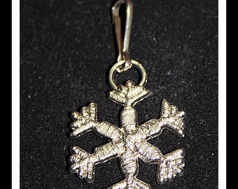 Snowflake metal zipper pull backpack clip