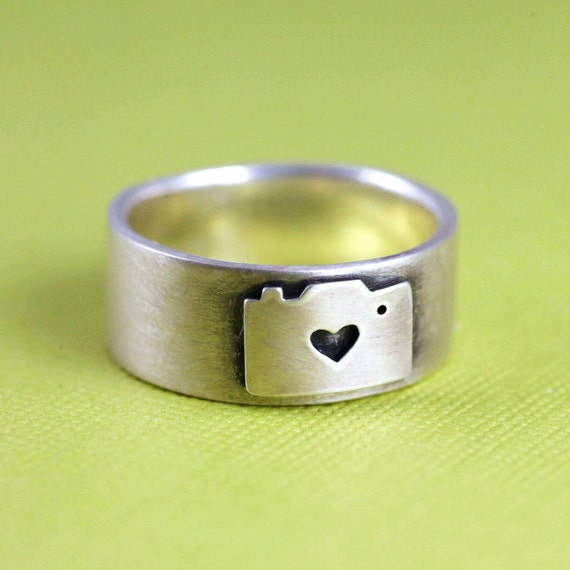 Camera Love Ring in Silver