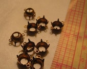 Reserved for Altered Details Brass Settting for size 40SS (8mm) Round open back 4 prong 2 loop