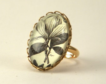 Rustic Petals Petite Oval Ring Victorian Engraving