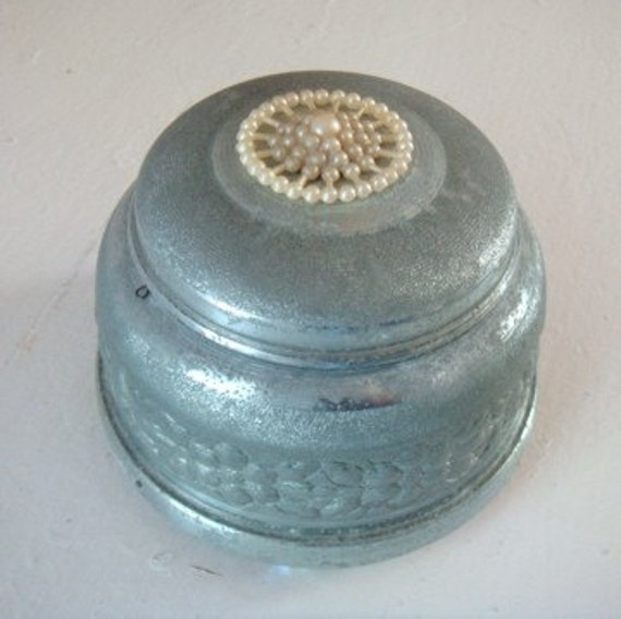 Vintage Silver Metal Powder Style Music Box Pearl Decoration