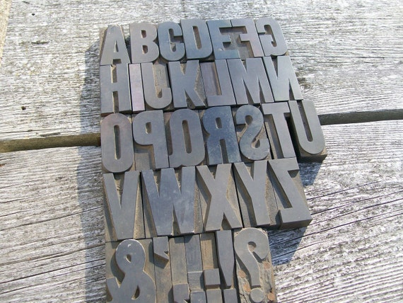 Letterpress - SALE - Gothic Alphabet Plus Extras - More Than Three Inches Tall - 33 Items - Lot 295