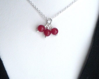 red trio  necklace