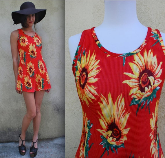 Vintage 90s Red and Yellow Ribbed Sunflower Mini Shift Dress (size small, medium)