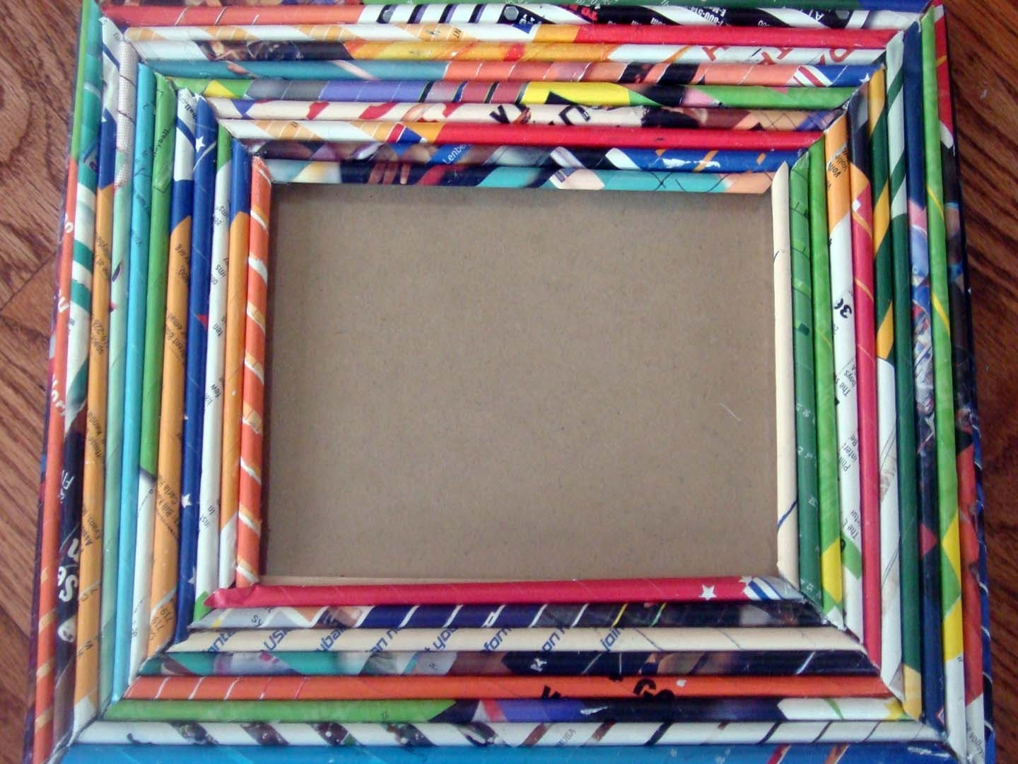 recycled magazine picture frame. Black Bedroom Furniture Sets. Home Design Ideas