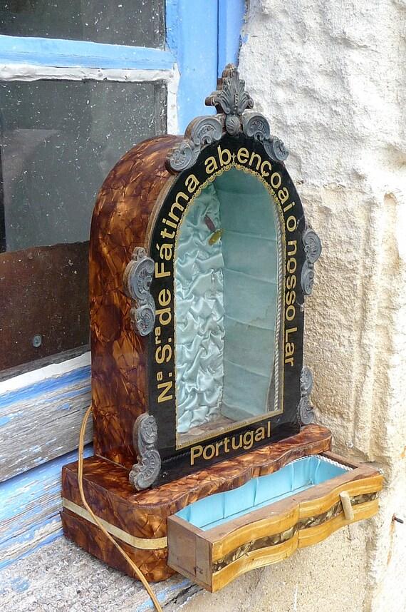 Vintage religious Portuguese music box