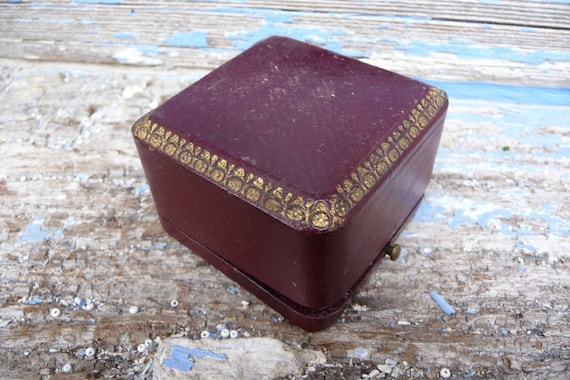 Antique 1920s/1930s French hinged cardboard ring box jewelry  box