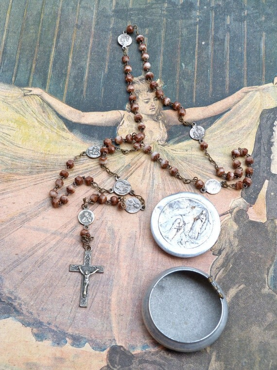 Antique 1930 French rosary & his tin box coming from Lourdes religious christianity